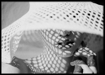 Sun Hat Shade Poster in the group Prints / Black & white at Desenio AB (10034)